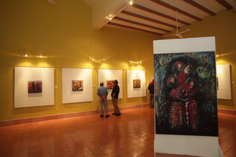 exposicion de artista colombiano en el museo arqueologico