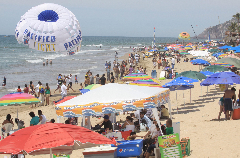 Semana santa turismo, ambiente, seguridad, panoramicas, basura en playas de zona dorada.